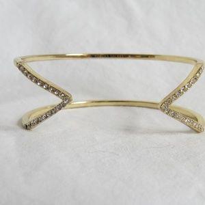 Elegant Gold Bracelet